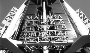 malaga-plaza-featured